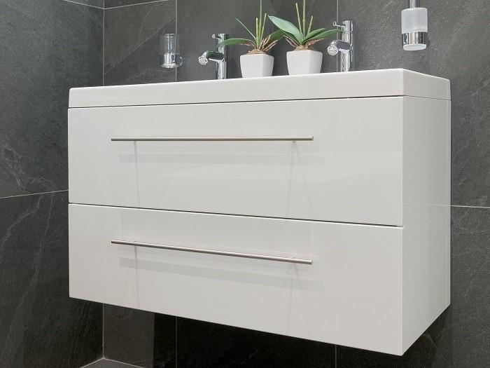 black-line-badkamer-meubels